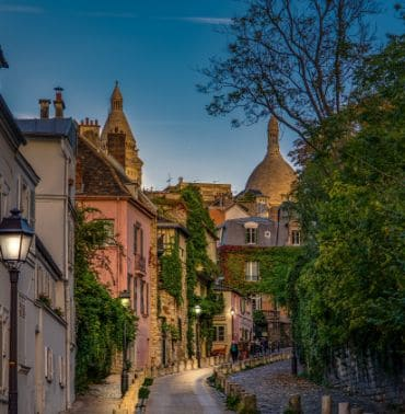 Secret Tours: Paris